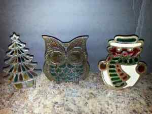 LOT OF 3 CAST IRON FIGURES 1,OWL NAPKIN HOLDER 2 CANDLE HOLDERS