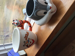 Vintage Bugs Bunny & Tony the Tiger cups