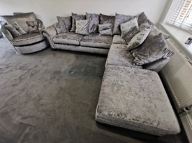 Crushed velvet L-Shape sofa with movable chaise and cuddle chair