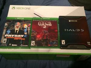 halo wars 2 (sealed), halo 5(steel book mint) and payday 2