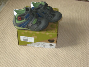 Baby  boy's shoes  Size 20 (4US)