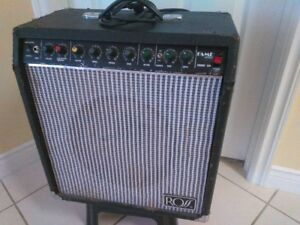 RARE VINTAGE ROSS 50R GUITAR AMPLIFIER