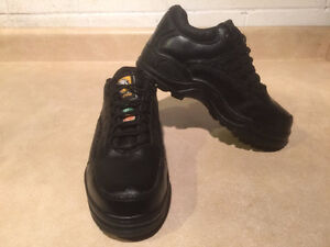 Women's Work Centre Steel Toe Work Shoes Size 6 London Ontario image 6