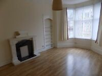 PRICE DROP: Spacious 2 Bedroom Flat based in the Heart of Paisley *Can furnish if needed