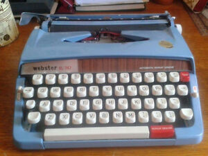 Typewriter in excellent condition Cambridge Kitchener Area image 1