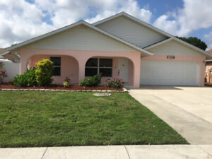 VENICE FLORIDA - ALL INCLUSIVE  VACATION HOME -GOLFERS PARADISE