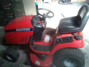 Snapper Ridding Lawnmower $2000 or best offer