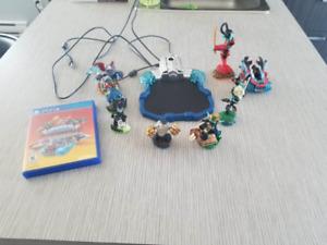 Skylanders Supercharged PS4 9 Figurines