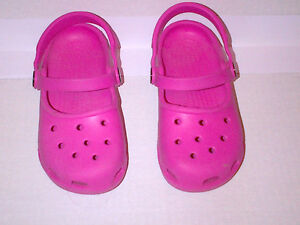 CROCS Classic Clog Mary Jane Shoes Kids Pink MINT Size 10/11