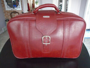 Samsonite soft Leather Carry-on Bag/Suitcase.