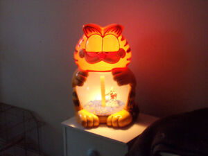 GARFIELD HUGE LAMP FOR SALE