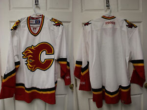 Calgary Flames - CCM - XL - Jersey - no name on back