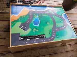 Kids play table for trains/lego/cars