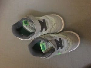 Running shoes and sandals for a toddler, size 7, 8, 9