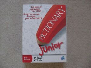 Pictionary Junior Game Great Condition (All Pieces Included)