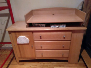 Changing table and chest of drawers