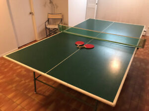 table de tennis sur table