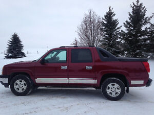 LOADED 2005 CHEVY LT AVALANCHE FOR SALE