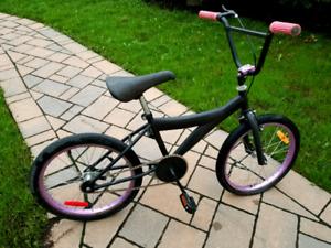 Vélo BMX enfant