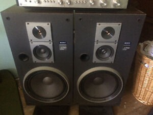 Sony speakers, Noresco amplifier