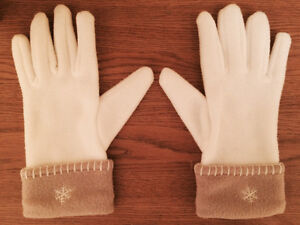 Combo White Scraf & Gloves - Super soft and warm!! West Island Greater Montréal image 2