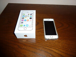 iPhone 5S White with Clear Plastic Case