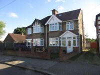 4 bedroom house in Wellington Road South, Hounslow, TW4
