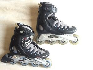 Women's Rollerblades size 8 - with wrist, elbow and knee pads