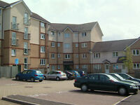 Short term 2 to 3 month rent offered 2 bedroom flat close to Livingston North Rail, private parking