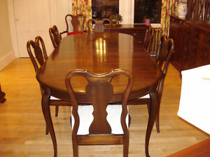 Gibbard Canadian Legacy Dining Room Suite