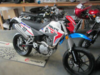 SINNIS Apache 125cc 125 Supermoto-Road 125