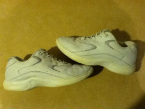 Women's Comfort2 Sport Running Shoes Size 8 London Ontario image 4