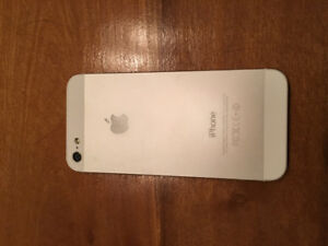 iPhone 5 white 16GB unlocked mint condition