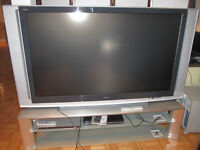 Sony Grand Wega LCD Projection 60'' TV with Sony stand