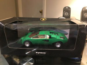 Lamborghini Countach Production Prototype, Green, 1:18 by Kyosho