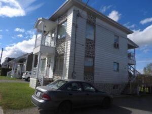 Maison à vendre (bloc appartements)