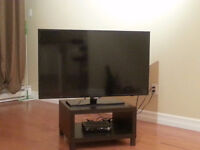 """Samsung 46"""" LED TV 1080p 120HZ (extremely good condition)"""