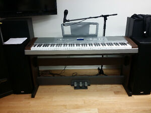 DGX-640 Piano Yamaha Portable Grand