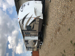 2014 High Country Cougar 33RBI Trailer