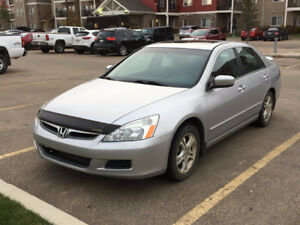 2007 Honda Accord SE Sedan with Winter Tires - Low Mileage