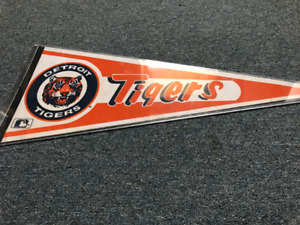 MLB Full Size Vintage Pennant Detroit Tigers