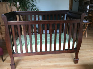 Convertible crib and mattress for sale