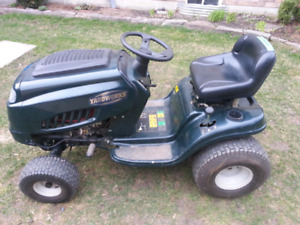 Lawn Tractor . Excellent Condition $450/B.O.