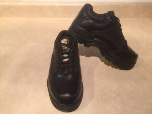 Women's Work Centre Steel Toe Work Shoes Size 6 London Ontario image 7