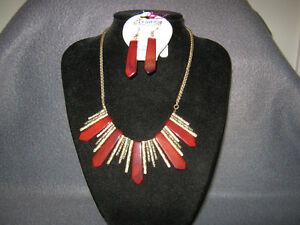 Collectible Antique Beautiful Necklace and Earring Set