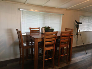 Tall table and 6 high chairs