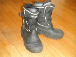 Boys Boots Size 4