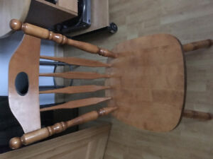$100.00 Solid Birch dining table includes leaf and 4 chairs
