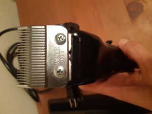 WAHL TRADITIONAL electric Barbers Razor & accessories.