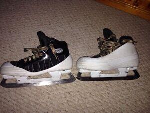 Size 5.5 CCM tacks goalie skates